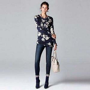 NWT Simply Vera Vera Wang Modernist in Nature Top!